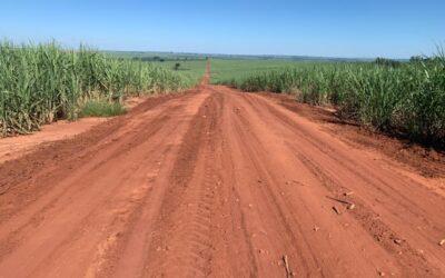 Recuperação e manutenção de estradas rurais.